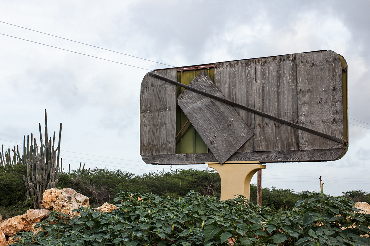 03_Curacao_signboard