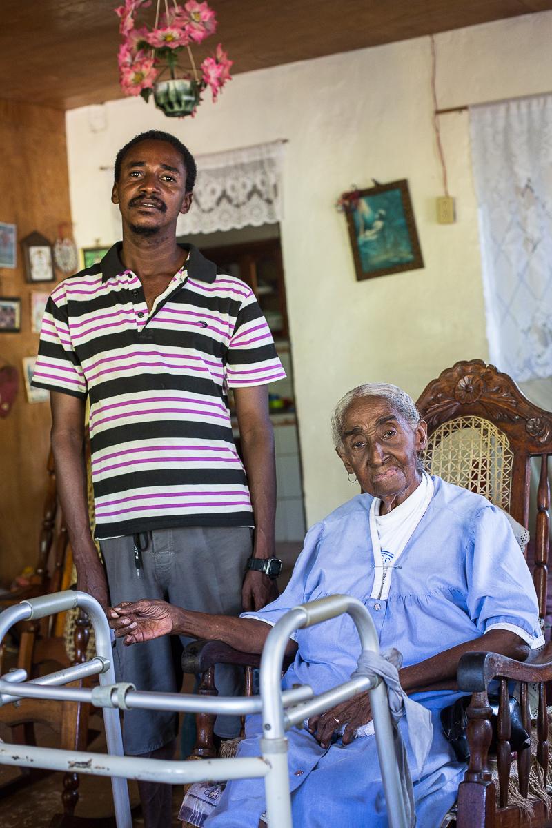 Bonilin Gloria Tucker (93 years) and Dweid Wellcome (36 years)